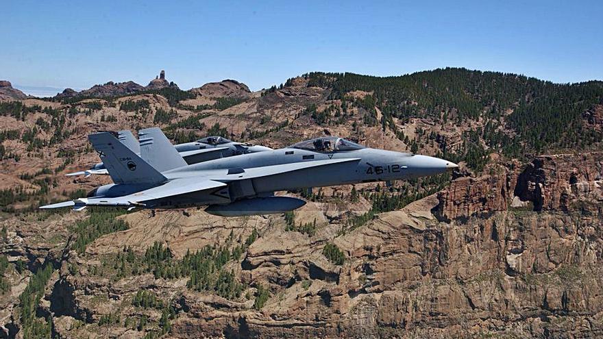 Cazas F-18 de la Base Aérea de Gando participan en los ejercicios 'Sirio 21' en Sevilla