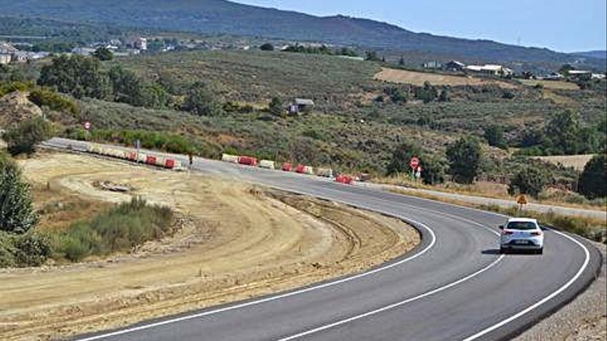 "Carretera de Calabor a Puebla, solicitada como ""ruta ciclista""."