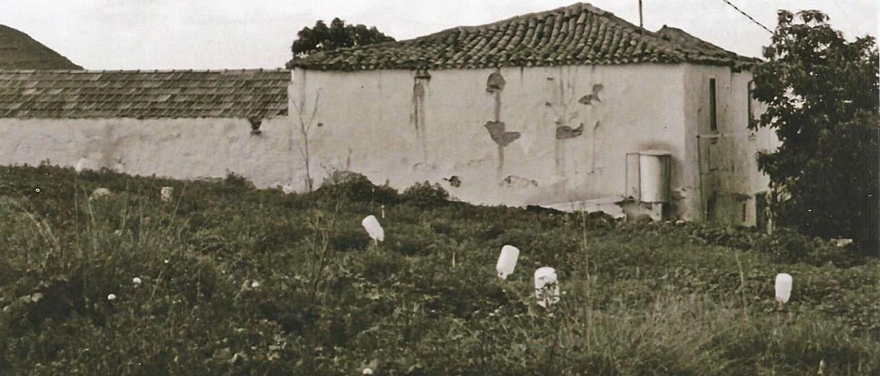 Casa donde según la tradición oral nació Luján Pérez, en Tres Palmas.  | | LP/DLP