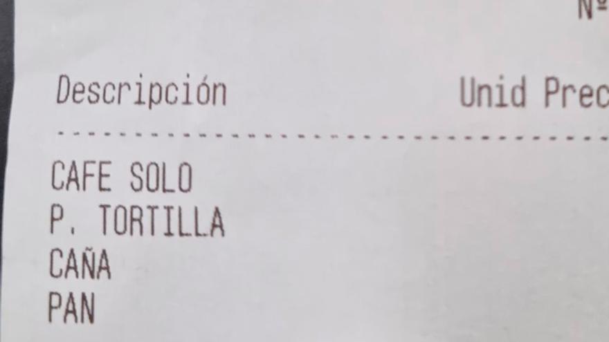 """La cuenta de un bar que se ha vuelto viral por el precio de un solo desayuno: """"Pasa de castaño oscuro"""""""