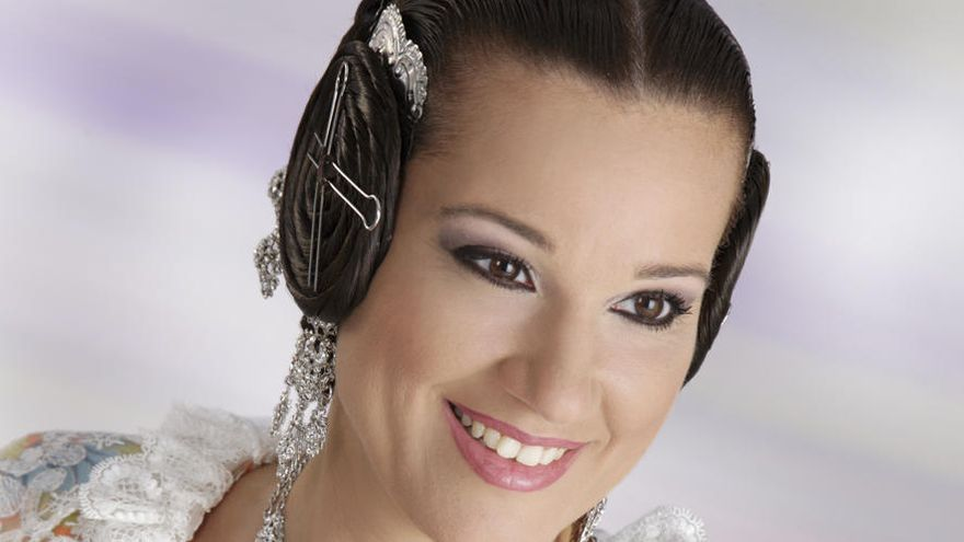 La falla Industria llora a Teresa González, su fallera mayor de 2008 y 2015