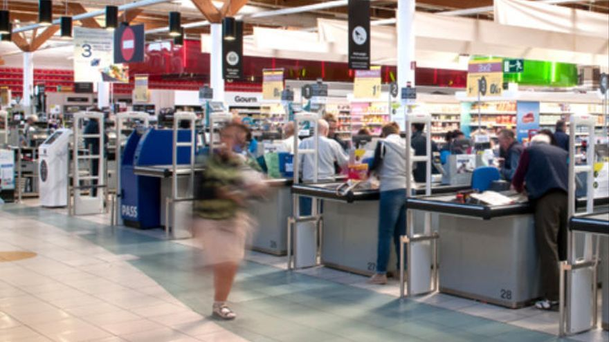 Carrefour contrata a 130 personas en Canarias durante el verano