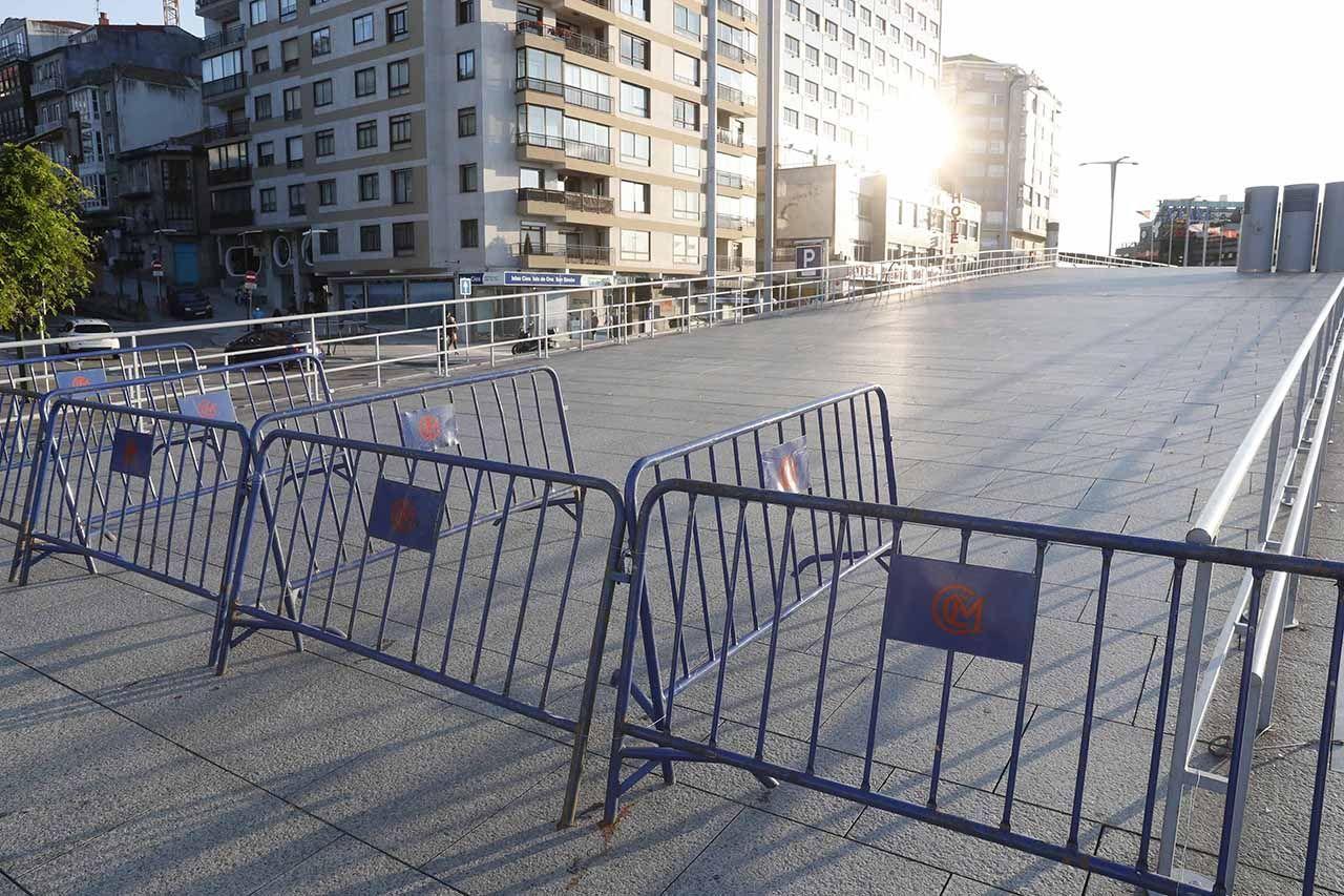 Zona precintada en As Avenidas para prevenir el botellón Pablo Hernández (2).jpg