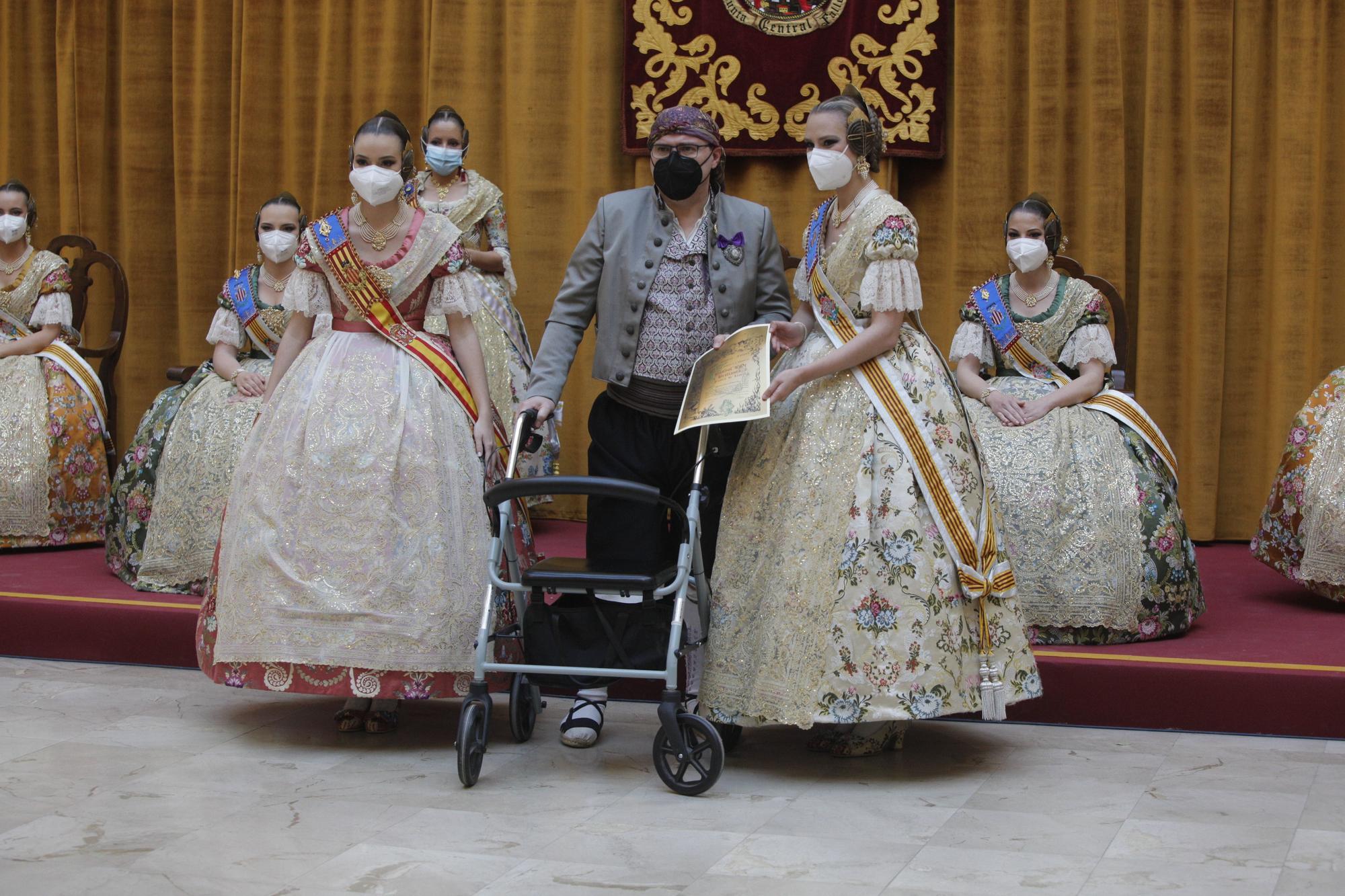 """Imposición de """"Bunyols de Brillants"""" (y estreno de una fallera mayor) en Seu-Xerea-Mercat"""