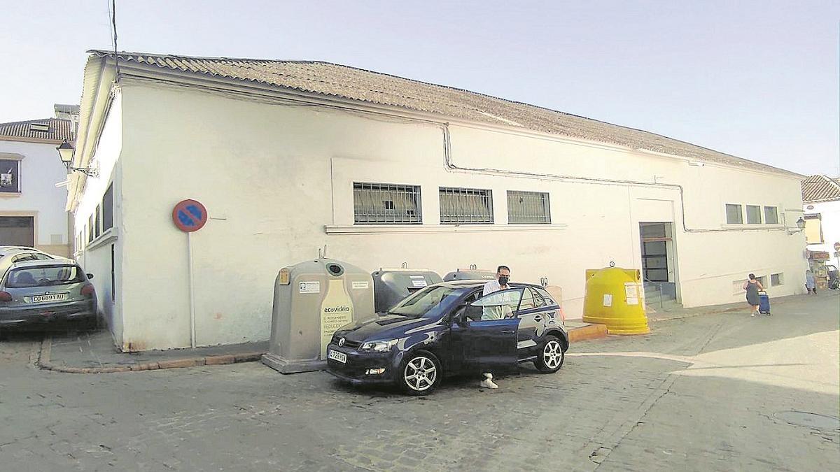 El actual mercado de abastos de Bujalance será demolido y reconstruido de nuevo.