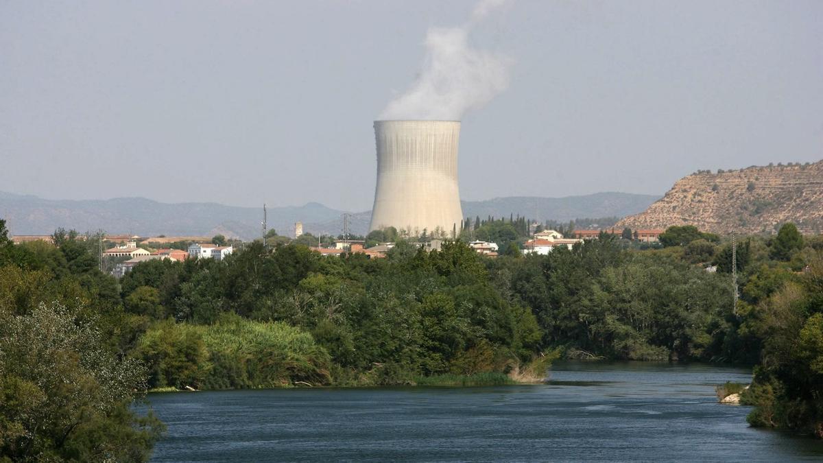 """La central nuclear Ascó I registra una parada por el cierre """"imprevisto"""" de una válvula"""