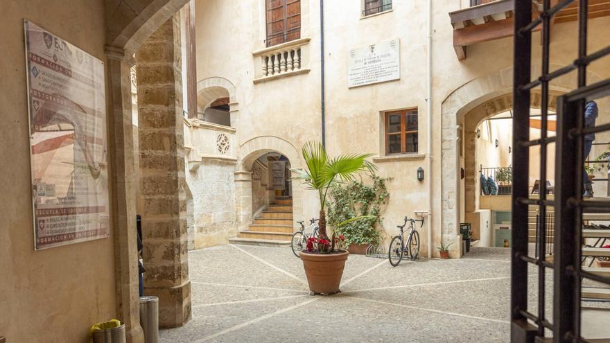 La Escuela Universitaria de turismo Felipe Moreno llega a Ibiza