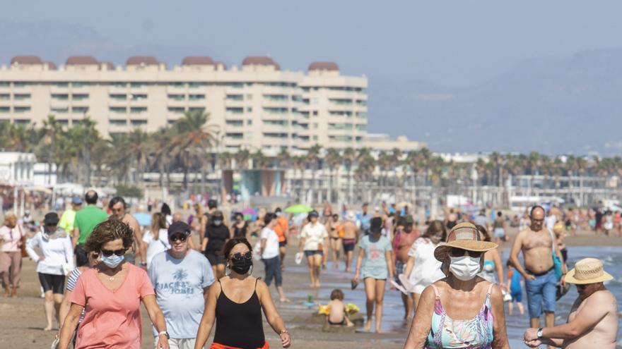 Nou d'Octubre: día festivo de sol, playa y mascarilla