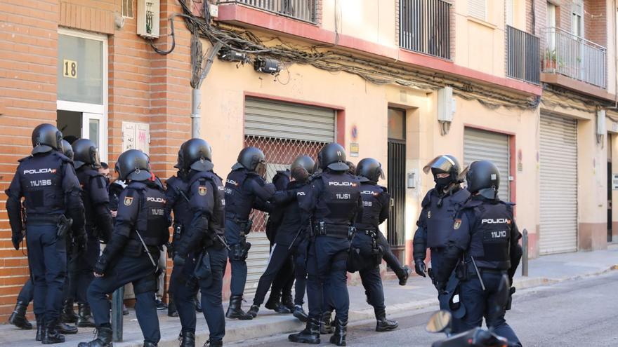 Paralizado in extremis un desahucio en Zaragoza que iba a dejar en la calle a una mujer con tres hijos