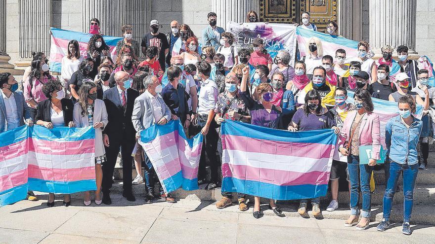 Las claves del borrador de la nueva ley trans y LGTBI