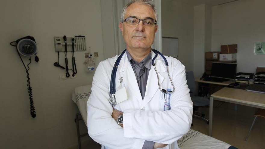 Julio Montes Santiago, médico internista y escritor