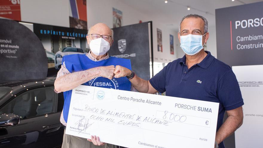 Porsche Alicante dona 8.000 euros al banco de Alimentos