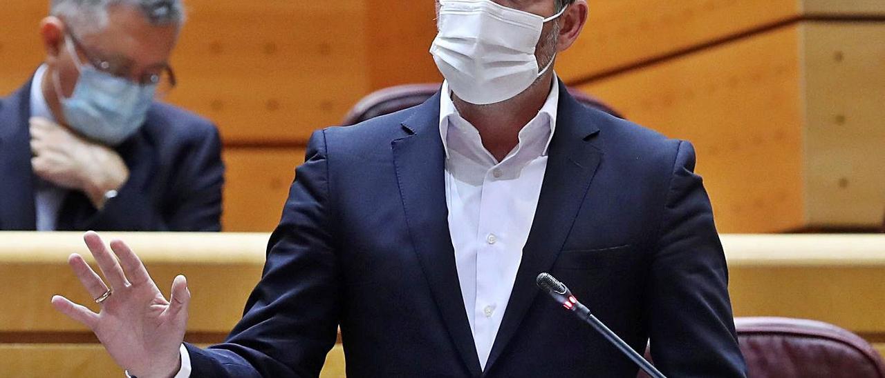 Intervención ayer del nacionalista Fernando Clavijo en la Cámara Alta en la sesión de control al Gobierno. | | EFE