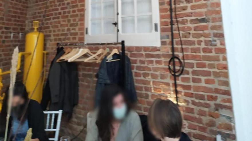 Desalojan una boda con 30 invitados en un taller de lápidas de Madrid