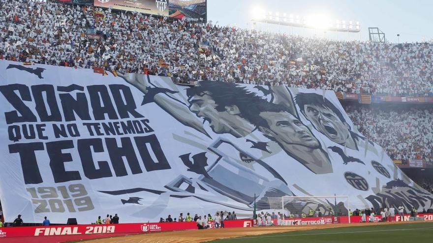 El VCF conservará las telas de Kempes, Baraja y Piojo de la lona de la final de Copa