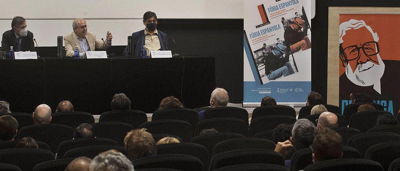 Santos Zunzunegui, Abel Guarinos y José Luis Castro de Paz, ayer en la presentación de 'Furia Española'.