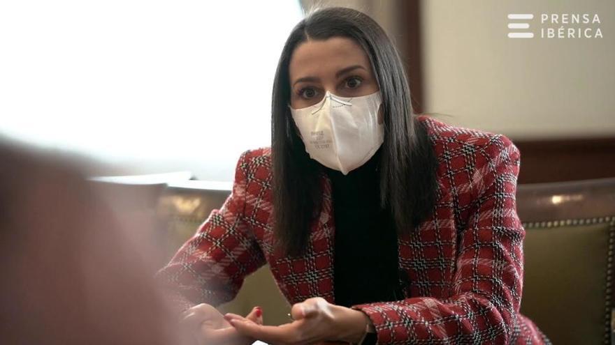 """Arrimadas: """"Mi mano sigue tendida a Sánchez"""""""