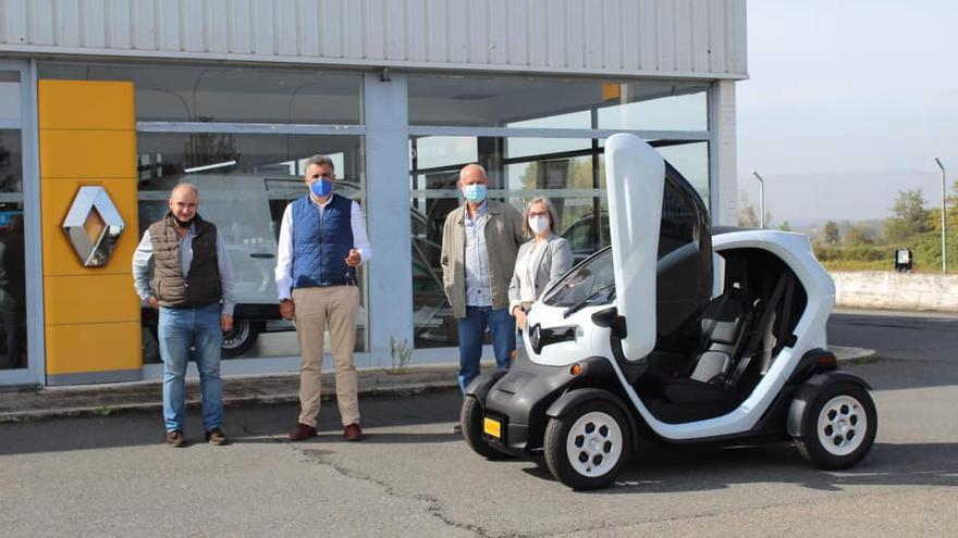 El Ayuntamiento de Coria adquiere un nuevo coche eléctrico