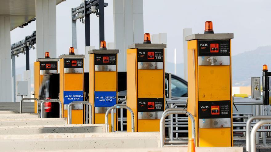 El Gobierno estudia peajes en las autovías y el trayecto Madrid - Valencia podría costar 14 euros