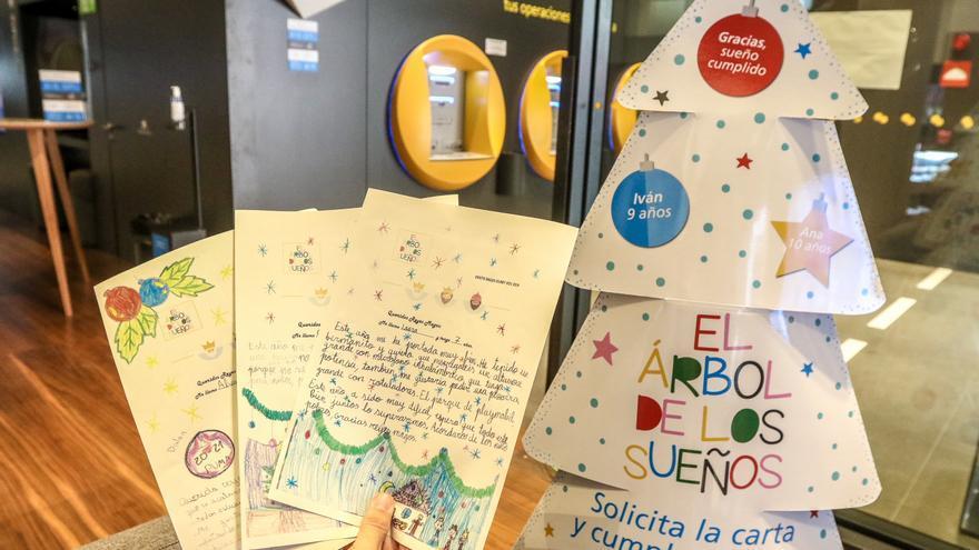 25.000 niños y niñas en situación de pobreza en España tendrán su regalo de Navidad gracias al «Árbol de los Sueños» de CaixaBank