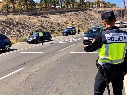 Coronavirus en Canarias   Continúan los controles en la capital para evitar desplazamientos innecesarios