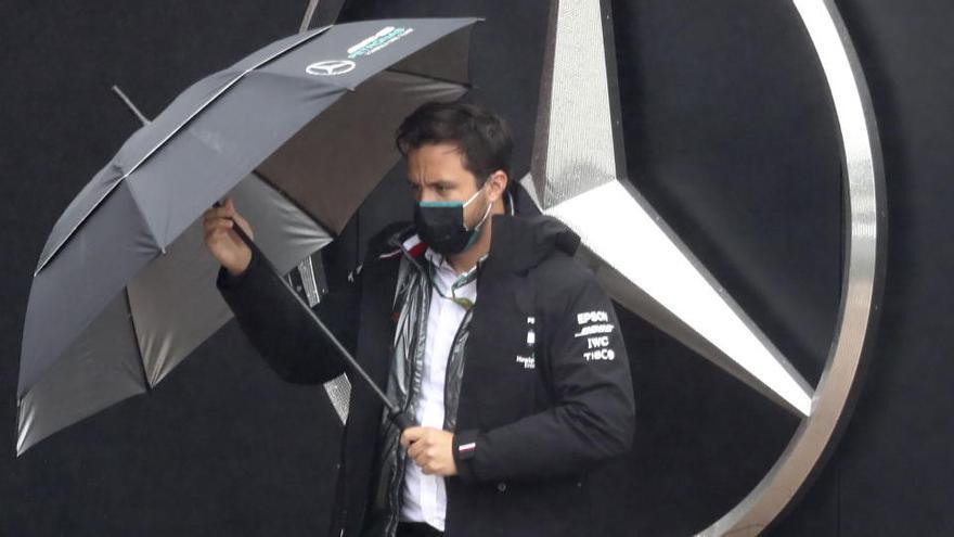 Mercedes descarta que Red Bull corra con sus motores