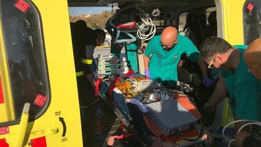 Primer traslado ECMO en helicóptero desde el Materno al Vall de Hebrón de un niño para ser trasplantado