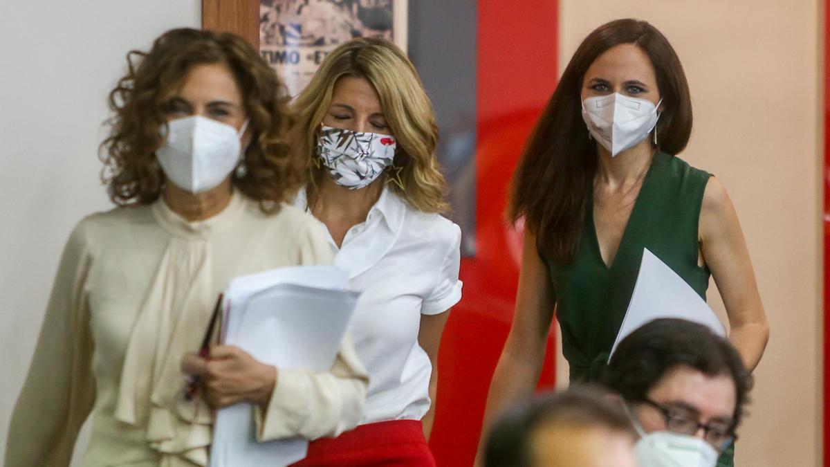 María Jesús Montero, Yolanda Díaz y Ione Belarra.