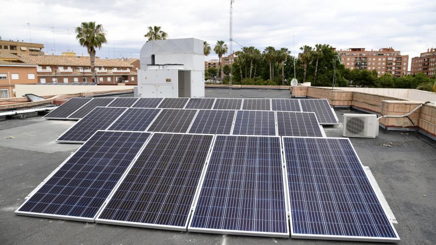 La Oficina Verde de Paiporta se abre con un taller participativo sobre ahorro en la contratación y eficiencia energética