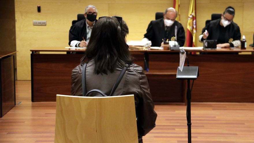"""Condemnada a 9 anys de presó la mare que va """"permetre"""" que abusessin de la seva filla a canvi de diners o droga"""