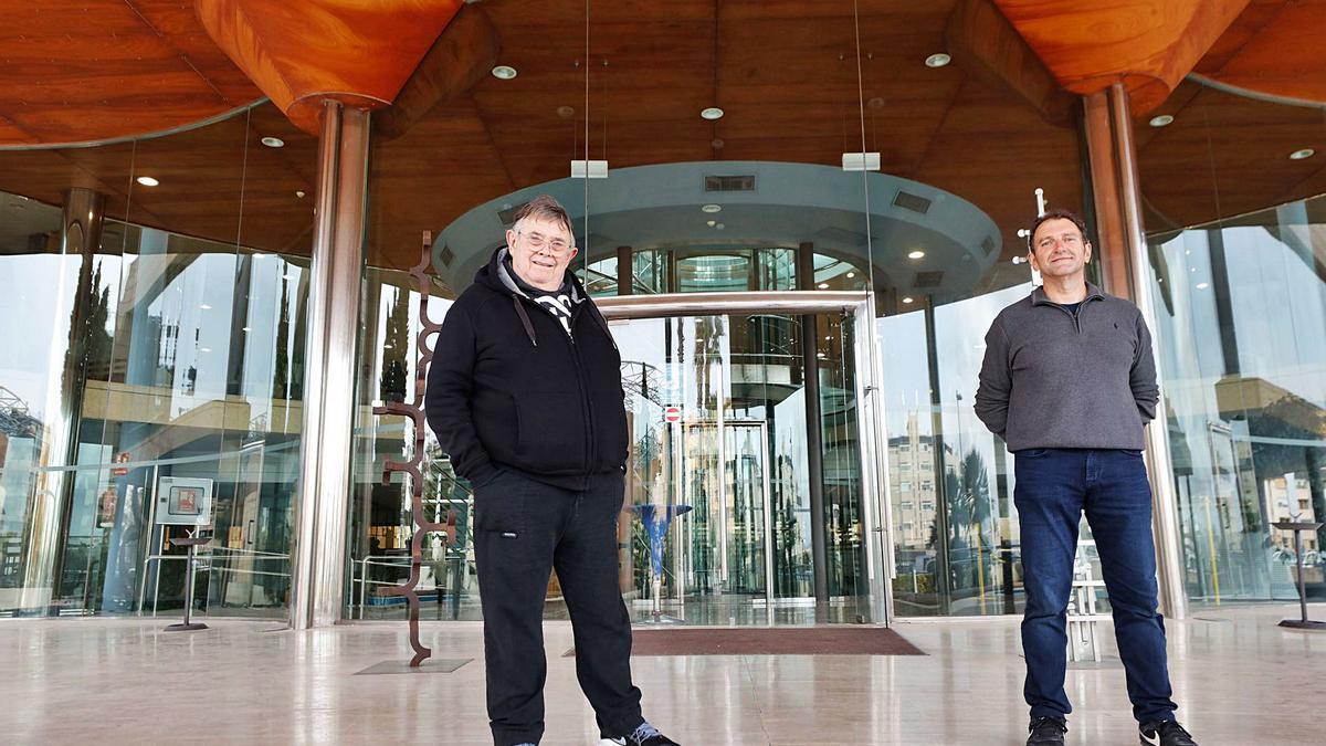 Enrique de Miguel Dicenta (a la izquierda) y Francisco Paz Verdugo, ayer en la sede de Diario de Ibiza.