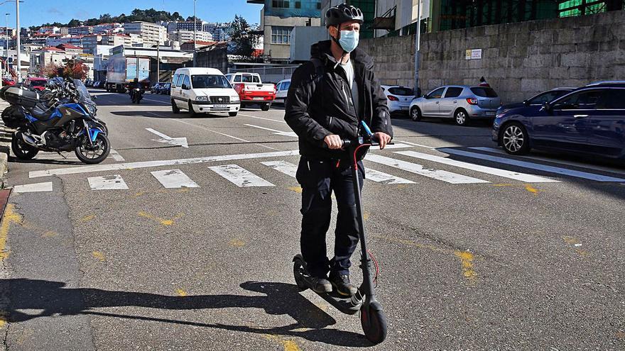 La mayor parte de los accidentes de patinetes son con turismos y caídas