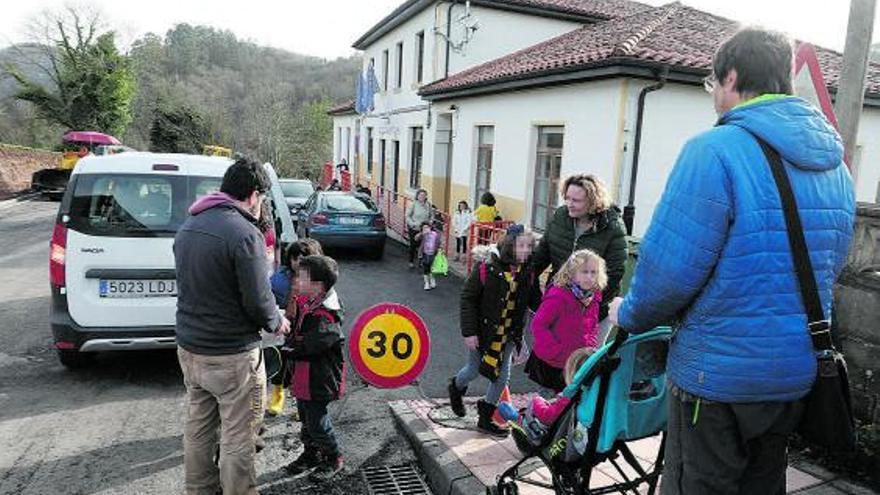 Educación rechaza la petición de crear un colegio rural agrupado solo para Cabranes