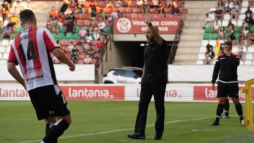 """David Movilla, técnico del Zamora CF: """"Este partido nos enseña el camino a seguir"""""""