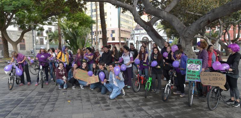 08-03-2019 LAS PALMAS DE GRAN CANARIA. Bicipiquete feminista, en San Telmo. Fotógrafo: ANDRES CRUZ  | 08/03/2019 | Fotógrafo: Andrés Cruz