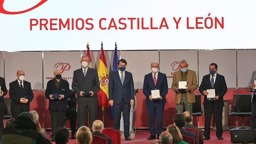 Mañueco recuerda a las víctimas del COVID y luchará por una región con medio rural