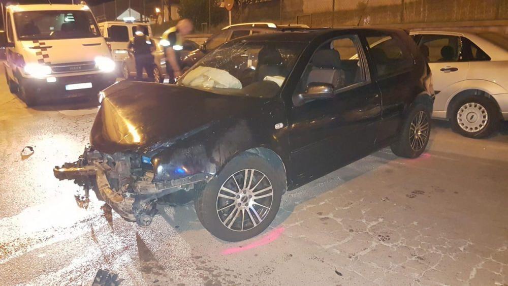 Un noi begut i sense carnet xoca amb sis cotxes fugint de la policia a Blanes