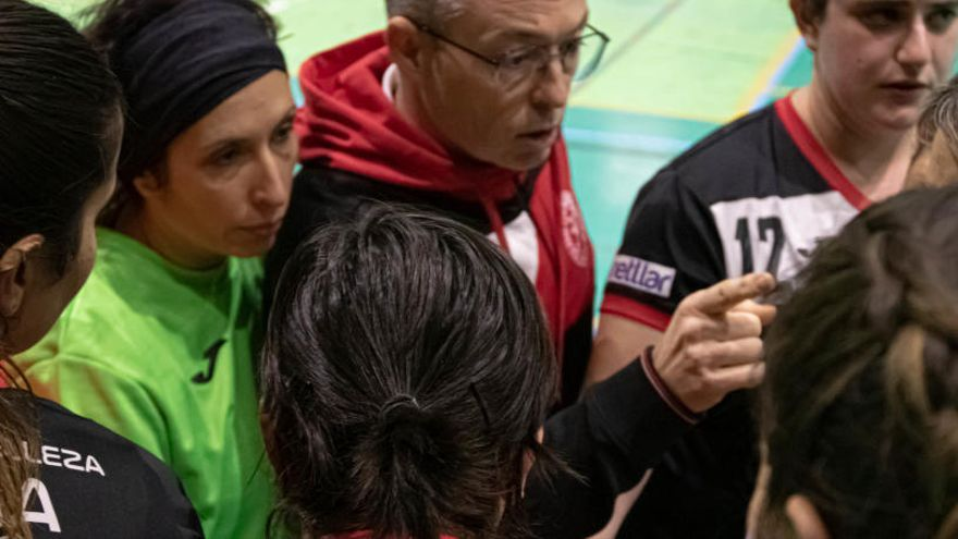 Inesperada derrota del Club Handbol Muro femenino en la cancha del Oliva