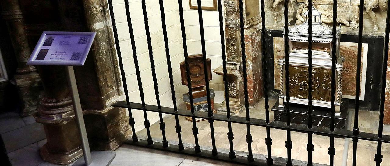 La reliquia se expone en la  capilla de la Resurrección  de la catedral.  J.M.López | J.M. LÓPEZ