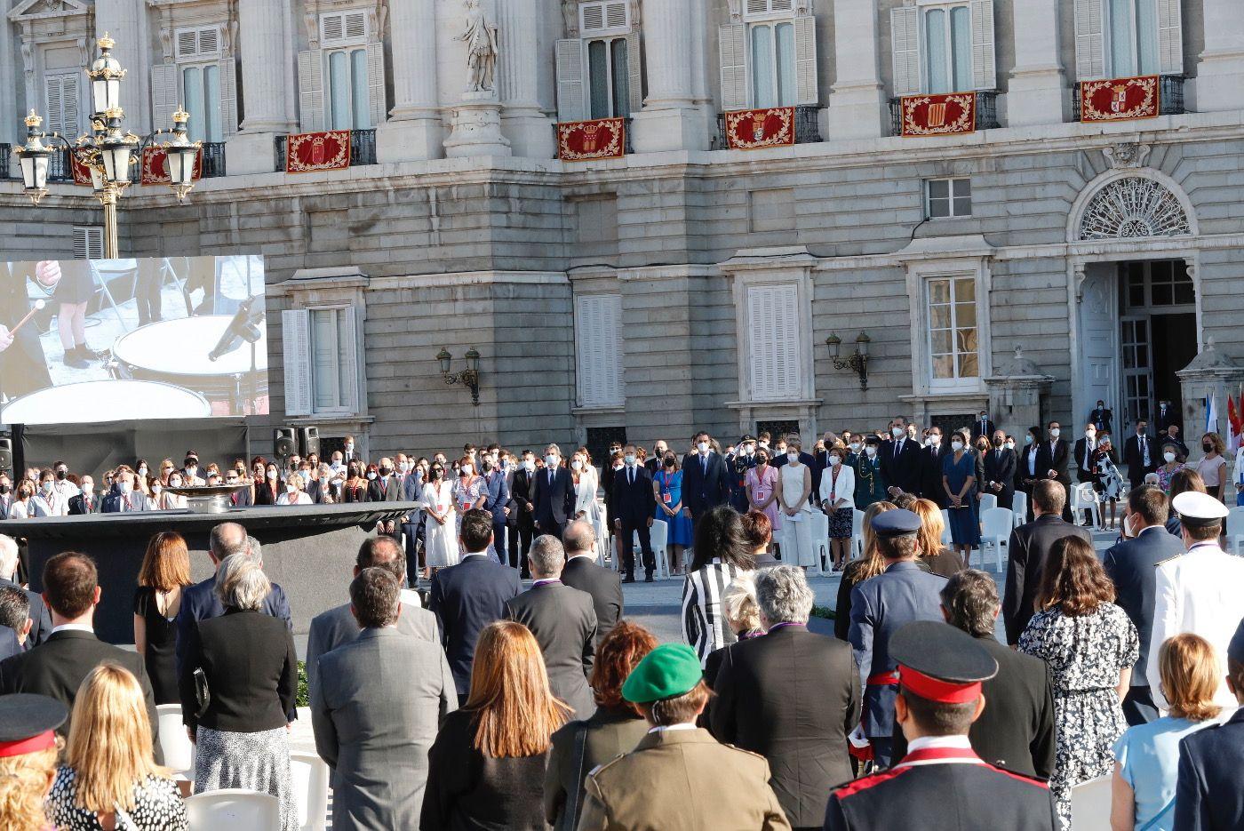 Homenaje de los Reyes a los fallecidos por el covid, con especial recuerdo al sanitario gijonés Pablo Riesgo