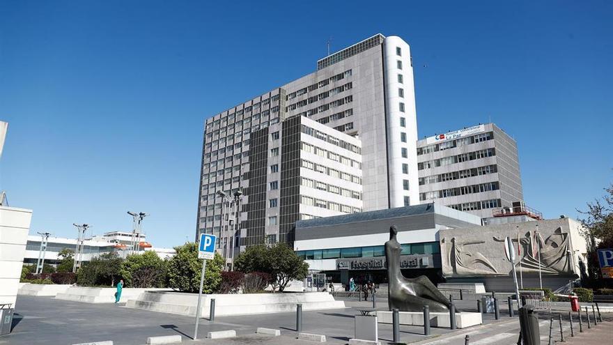 Un hospital de Madrid realiza por primera vez un trasplante de riñón y médula ósea de un donante vivo