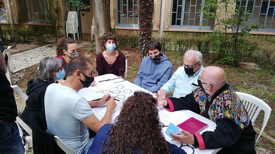Més de 40 agents culturals del Berguedà es reuneixen per abordar el futur del convent de Sant Francesc