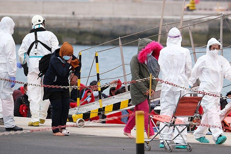 Rescatado un cayuco con 36 migrantes magrebíes al nordeste de Fuerteventura