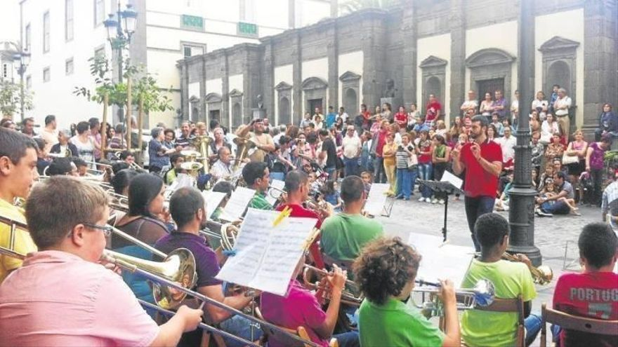 Solicitan firmas para evitar el despido de la Escuela Municipal de Música