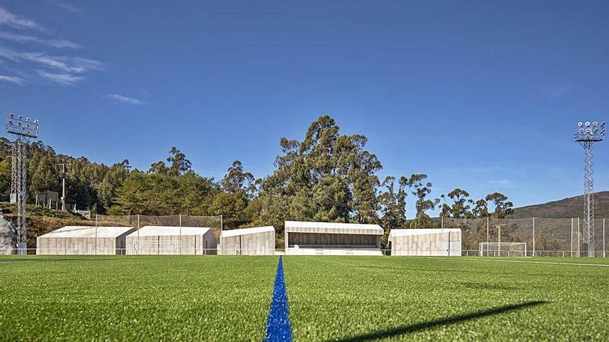 Premio para los proyectos del campo de fútbol de Campañó y Colegio de Veterinarios