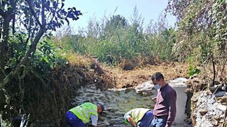 Lalín recupera la fuente de A Veiga y arregla la pista de acceso