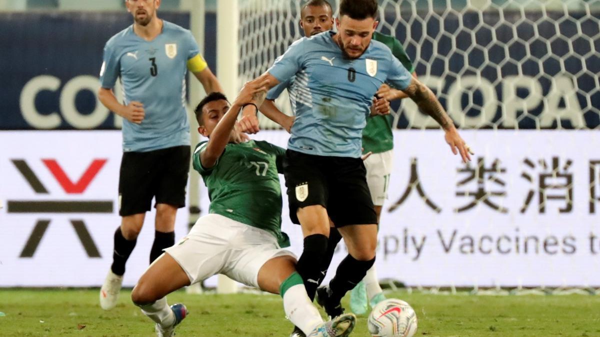 Un instante del Bolivia - Uruguay.