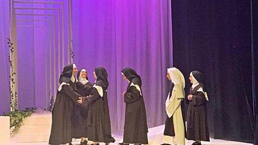 """""""La Tijera"""" recrea la vida de Santa Teresa en el Teatro Latorre"""