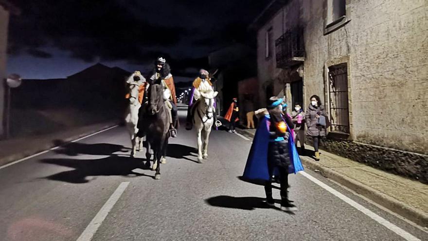 Los Reyes Magos multiplican su magia por Benavente y Los Valles