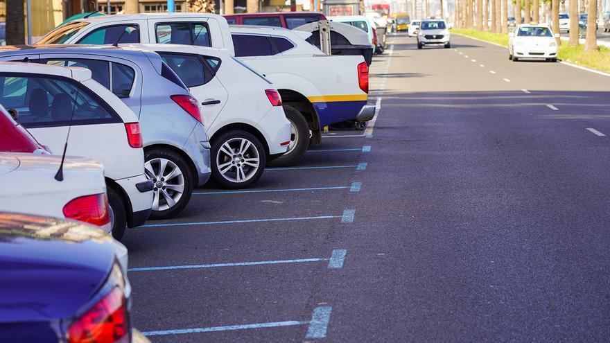 El Ayuntamiento recupera el horario del servicio de estacionamiento regulado en un tramo de la Avenida Marítima